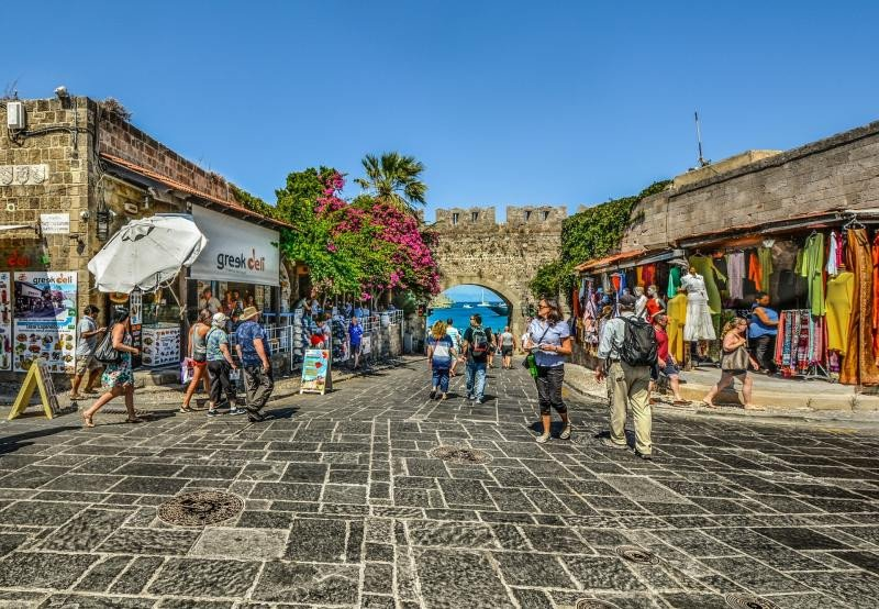 Un mercado de Rodas, en Grecia, destino que sigue esperando un intenso crecimiento este año.