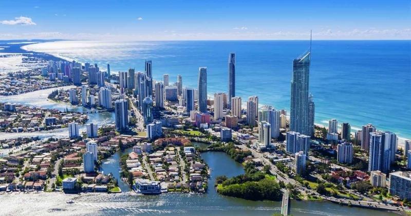 El Surfers Paradise Hotel estará también en la Gold Coast. Foto: Booktoday.