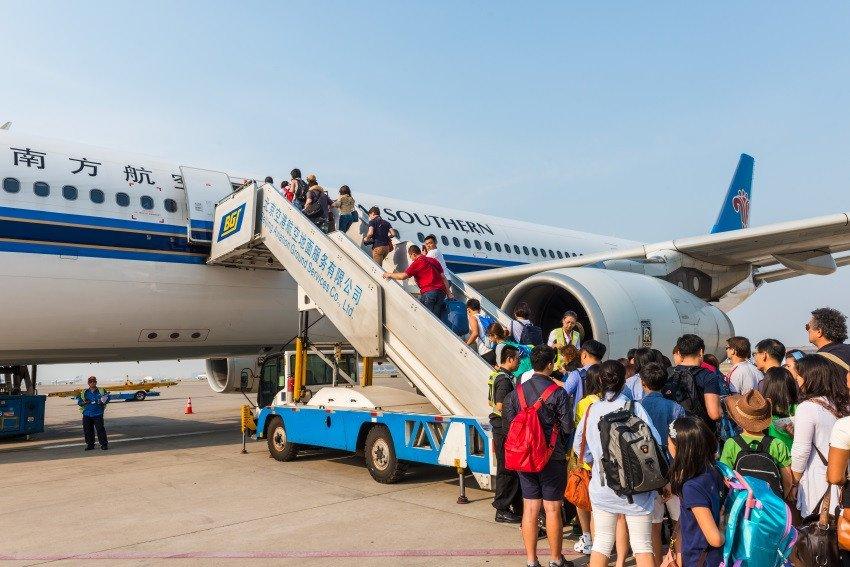 Un total de 129 millones de chinos viajaron al extranjero en 2017.