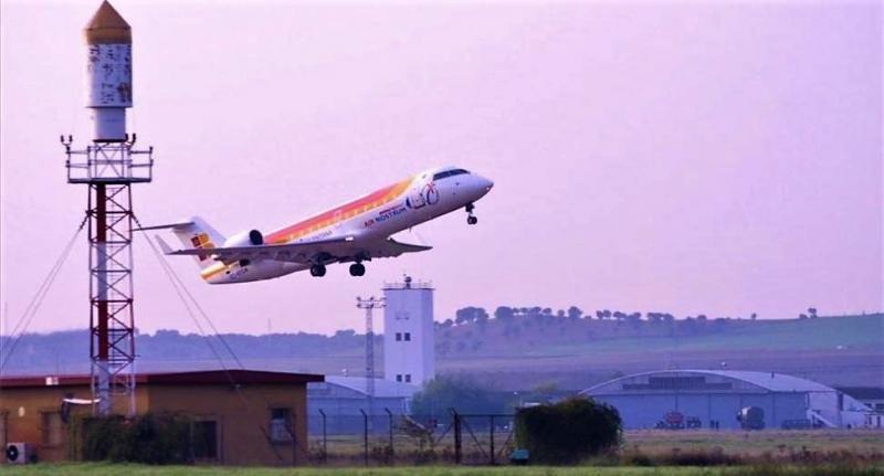 Solo una aerolínea apuesta por el Aeropuerto de Badajoz (Foto: El PeriódicoExtremadura/ Foto: SANTI GARCIA).