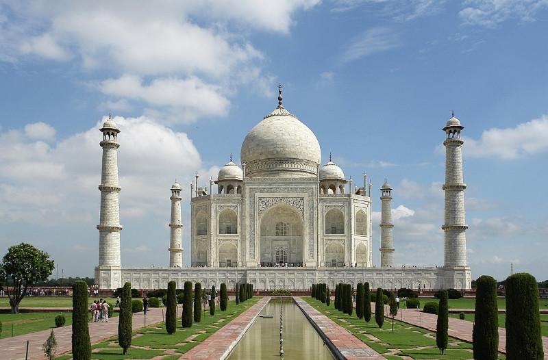 En 2007, el Taj Majal fue elegido como una de las siete maravillas del mundo.