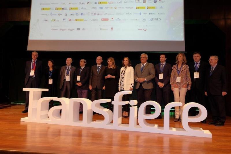 Foto de familia del acto de inauguración del Foro Transfiere 2018, celebrado en Málaga.