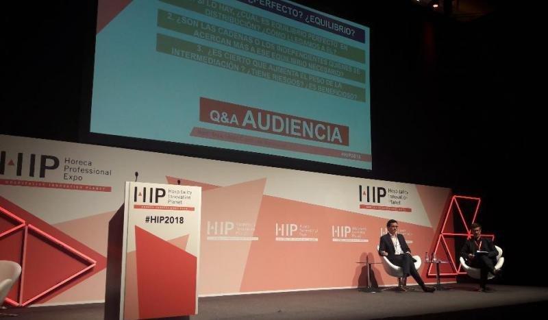 Enric López, director del Master de CETT, ha entrevistado a Pablo Delgado en el Hospitality 4.0 Congress celebrado en el marco de HIP.