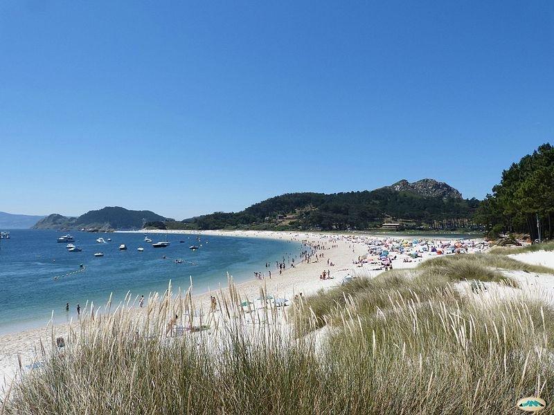 Playa de Rodas, en las islas Cíes. Imagen: juantiagues / Wikimedia Commons