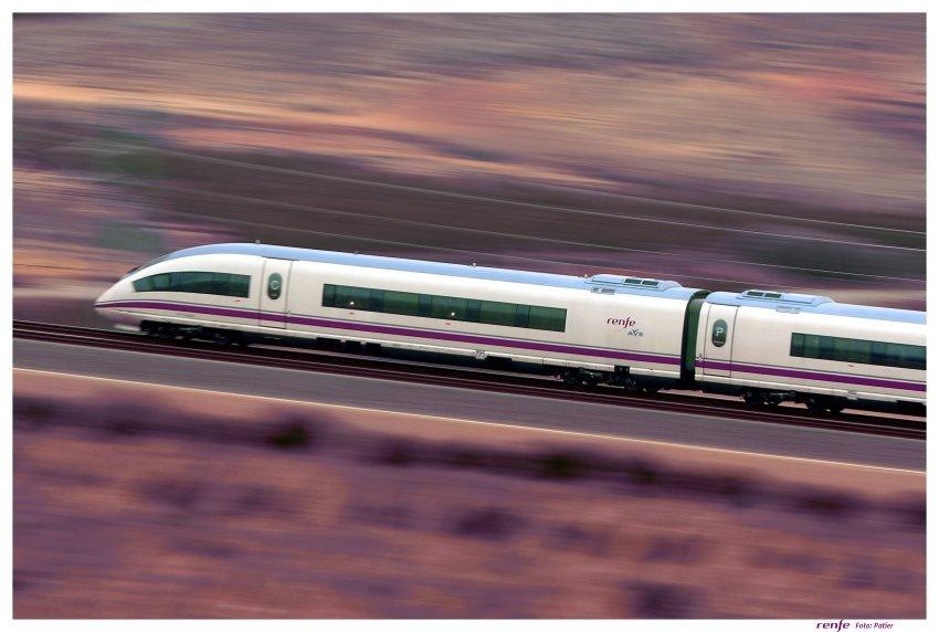El incremento paulatino de viajeros en este corredor han permitido al AVE alcanzar una cuota de mercado del 63% frente a la aviación en la conexión Madrid-Barcelona en los servicios origen/destino entre las dos ciudades.