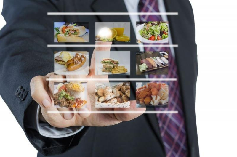 Las herramientas digitales ayudan a agilizar la actividad en los negocios, como ha confirmado la FEHR en esta encuesta.