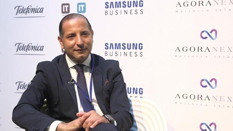 Kemel Kharbachi, CEO de Agora Next, lidera el proyecto Hotel Cloud 5.0 que aplica big data, inteligencia artificial y blockchain para que las cadenas conozcan al cliente y puedan potenciar la venta directa.