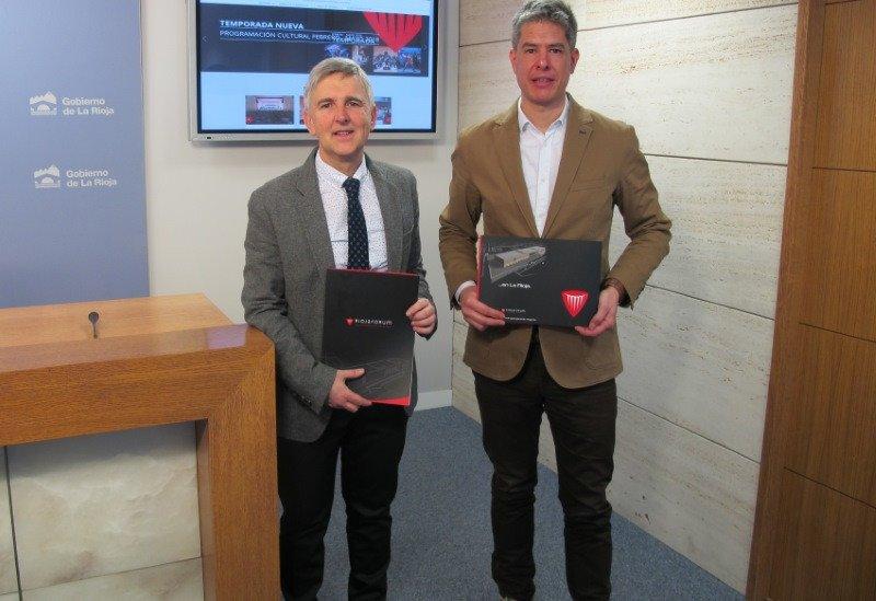 El director general de Cultura y Turismo, Eduardo Rodríguez Osés, acompañado por el director de promoción turística y cultural de La Rioja Turismo, Jorge Portu, informaron ayer sobre la actividad del Riojafórum en 2017.