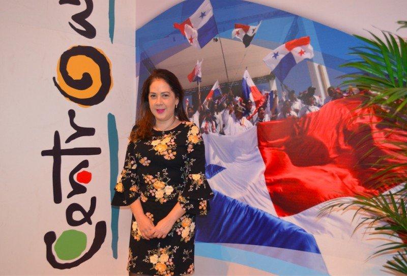 Carolina Briones.