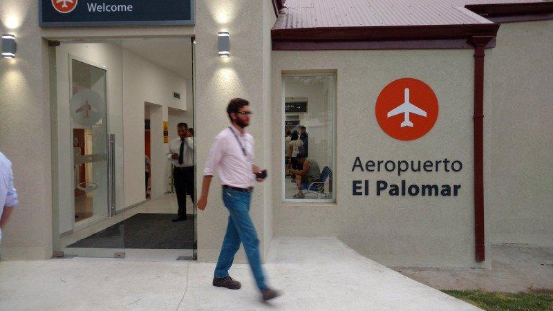 Aeropuerto El Palomar. Foto: @HernanMundo