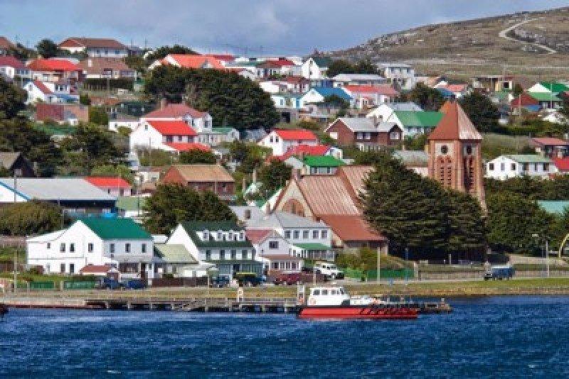 Argentina y Reino Unido gestionan vuelo semanal a Islas Malvinas