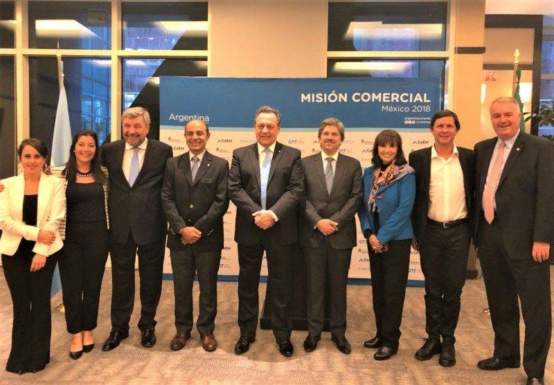 Gustavo Santos encabezó una misión comercial a México y mantuvo reuniones con el Secretario de Turismo mexicano, Enrique de la Madrid, y directivos de aerolíneas locales. (Imagen: CAT)
