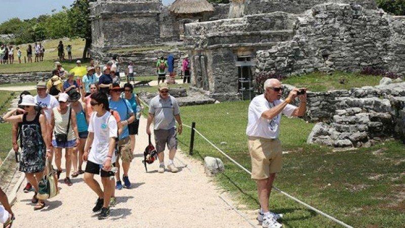 México roza los 40 millones de turistas en 2017 pero el gasto crece menos