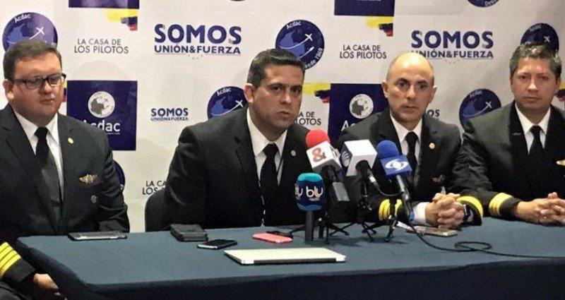 El capitán Jaime Hernández, presidente del sindicato ACDAC, es uno de los pilotos despedidos.