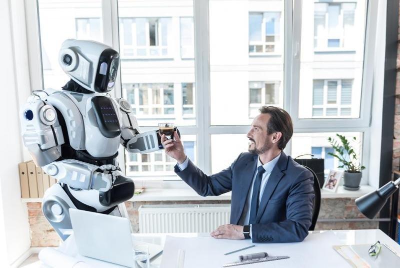 Los hoteleros temen un futuro en el que sus propiedades sean administradas por robots, pero sin embargo confían en la inteligencia artificial para mejorar la personalización de la experiencia del cliente.