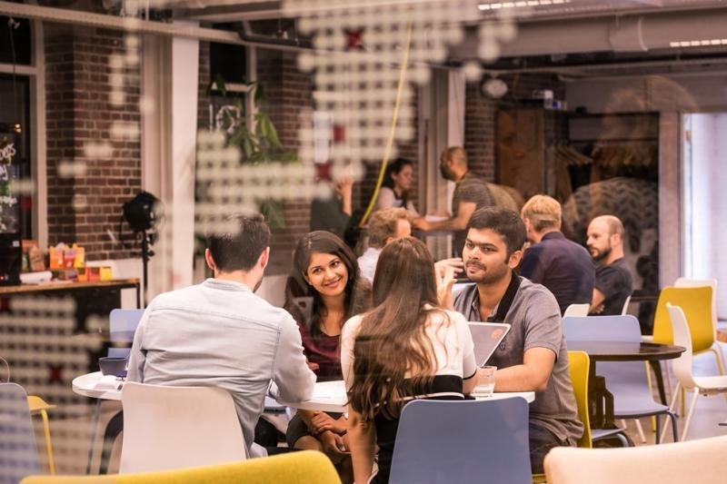Los emprendedores seleccionados recibirán clases magistrales, talleres prácticos y sesiones de orientación durante tres semanas. Imagen: Floris Heuer.