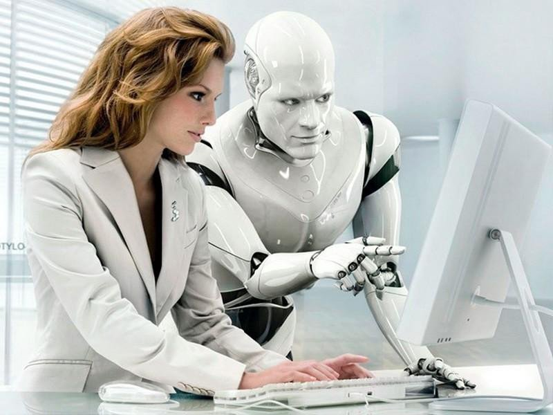 No está lejos la posibilidad de que nuestro compañero sea un robot; de hecho, según Daniel Pérez, profesor titular de la UC3M, 'hay empresarios que son algoritmos'.