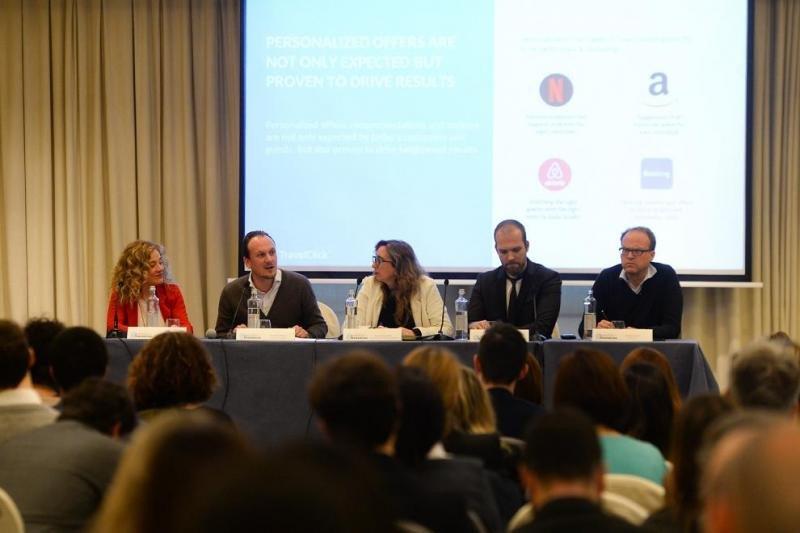 Imagen de la mesa redonda donde se han debatido los retos del Guest Management.
