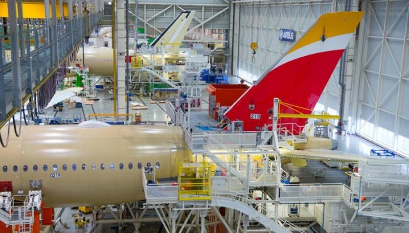 El A350 de Iberia ya tiene alas (Fotos Airbus)