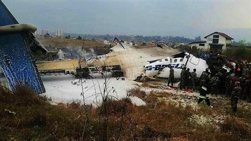 Un avión se estrella al aterrizar en Katmandú (Foto: Collected).