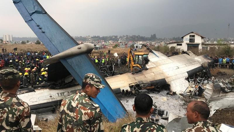 Un avión de US-Bangla Airlines se estrella al aterrizar en Katmandú (Foto: © Navesh Chitrakar / Reuters).