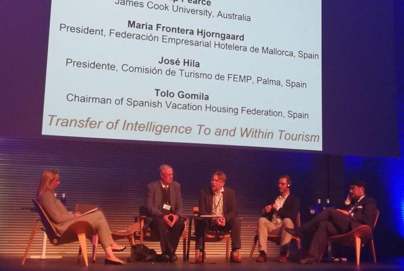 María Frontera, Philip Pearce, Tom Selänniemi, de Finlandia moderó de la mesa redonda; José Hila y Tolo Gomila.