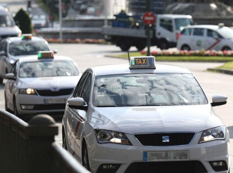 Los taxistas de Madrid plantan cara y lanzan el taxi compartido