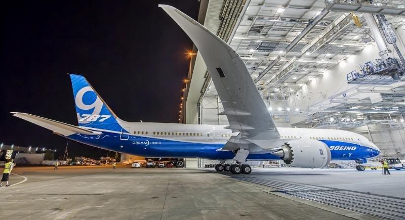 IAG emite bonos por 494 M € para financiar la entrega de 11 aviones