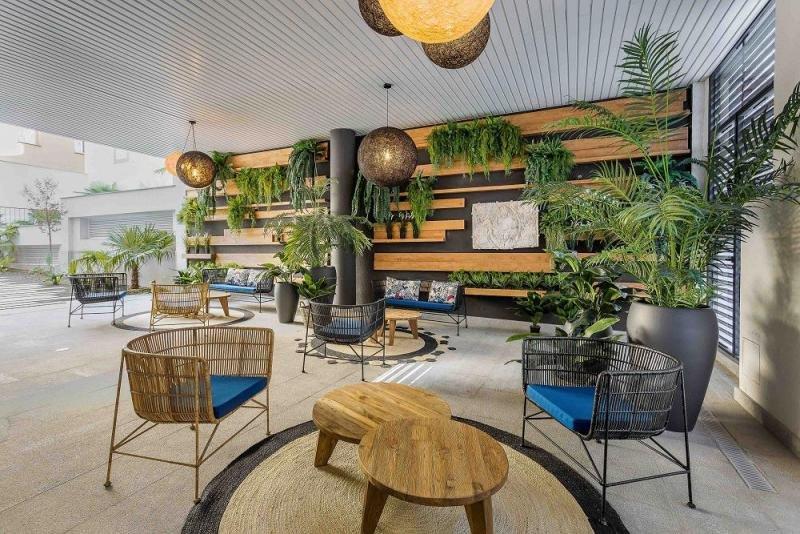 En el nuevo edificio se ha buscado dotar a los apartamentos de todos los servicios y comodidades de un hotel, pero con el ambiente, el confort y el alma de un hogar.