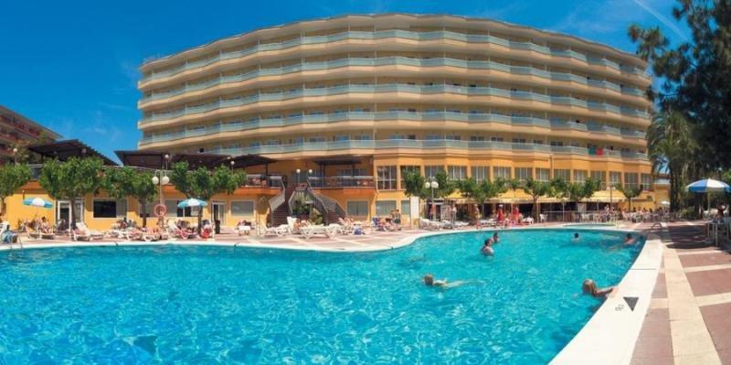 Med Playa reformará el hotel Calypso de Salou y el Río Park de Benidorm