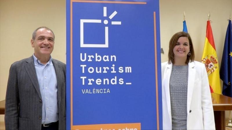 El presidente de Turismo Valencia, Antoni Bernabé, y la primera teniente de alcalde del Ayuntamiento de Valencia, Sandra Gómez, en la presentación de las jornadas.