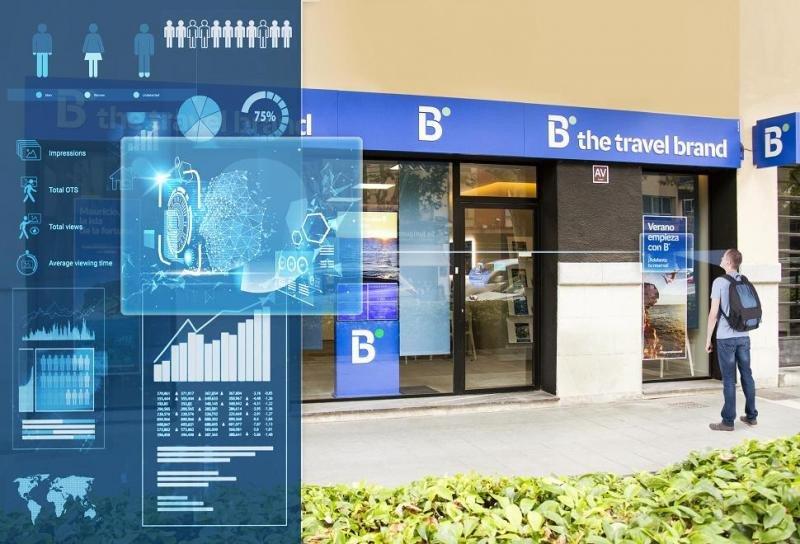 B the travel brand  busca desarrollar en sus escaparates digitales un sistema de publicidad inteligente que permita interactuar directamente con el cliente.