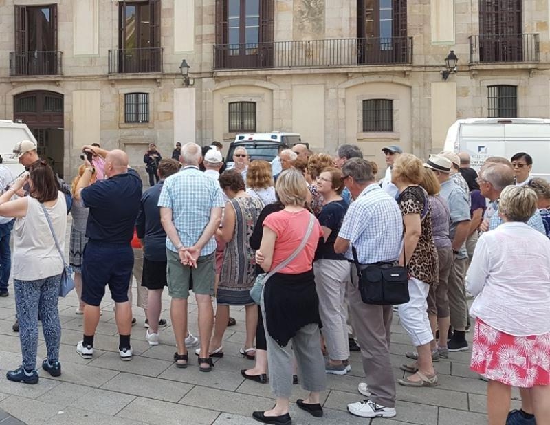 Un grupo de turistas en Barcelona.