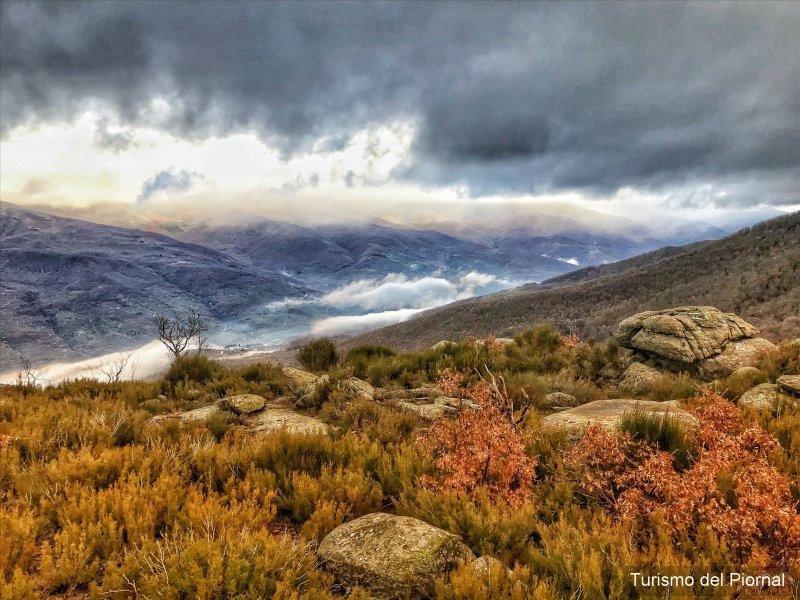 En tercera posición, la foto 'Piornal', cedida por el Ayuntamiento de Piornal, en el Valle del Jerte, Extremadura.