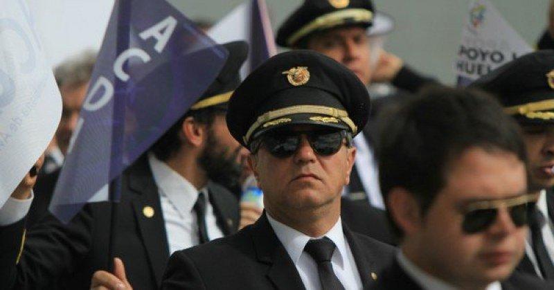 En una semana de procedimientos internos fueron despedidos 90 pilotos de Avianca. Foto: RCN/Colprensa