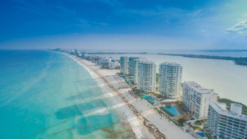 Expertos analizan en Cancún los retos de la industria hotelera