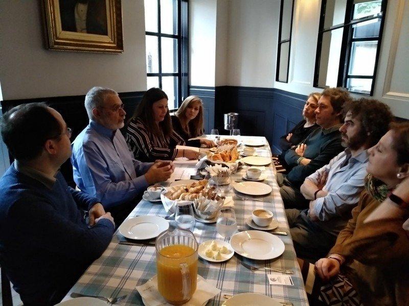 El subsecretario uruguayo reunido en Madrid con agentes especializados en turismo de lujo. Foto: RV Edipress
