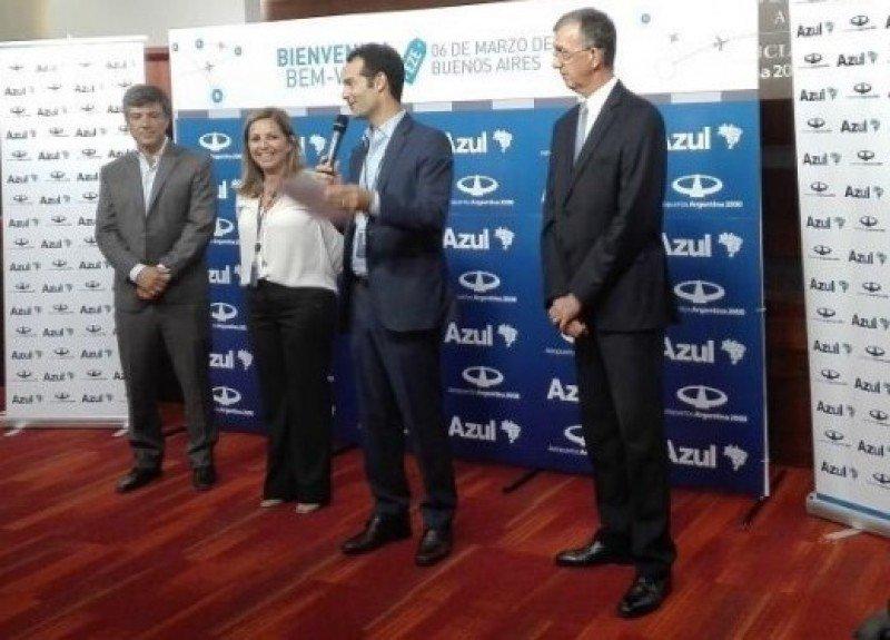 Hace un año Azul inauguraba su primera ruta a Brasil; ahora tiene cinco vuelos regulares y operaciones de temporada. Foto: Archivo.