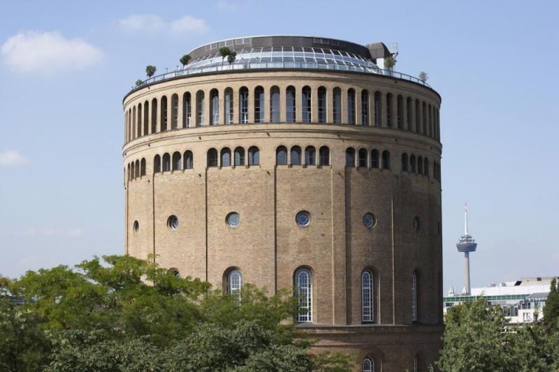 El hotel Im Wasserturm, en Colonia, ocupa la que fue la mayor torre de agua de Europa.