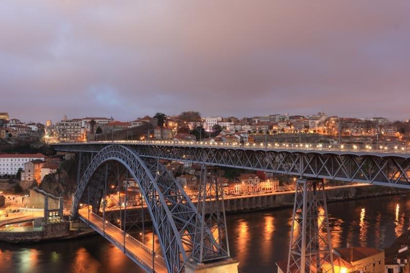 Oporto cuenta con 214.000 residentes.