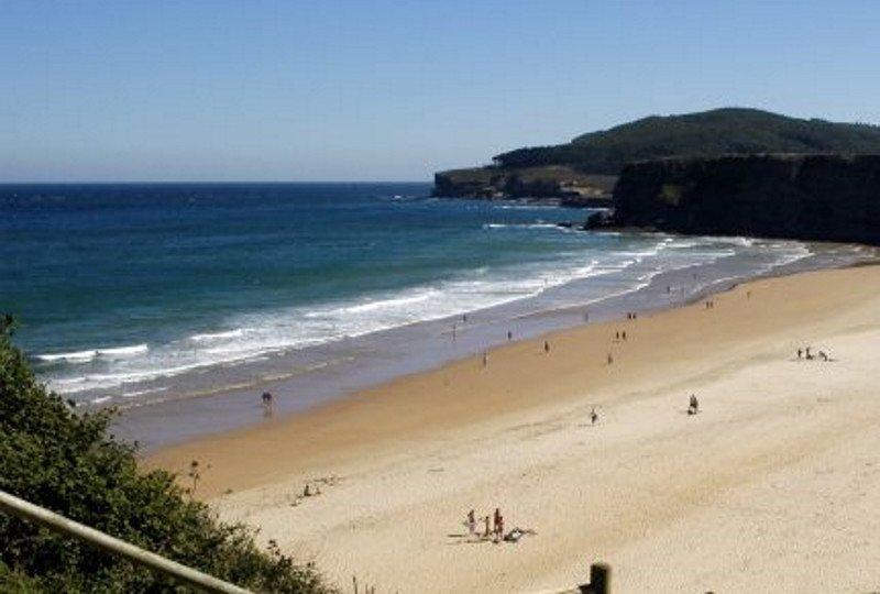 El turismo del surf genera un impacto de 4,2 M € en Ribamontán al Mar