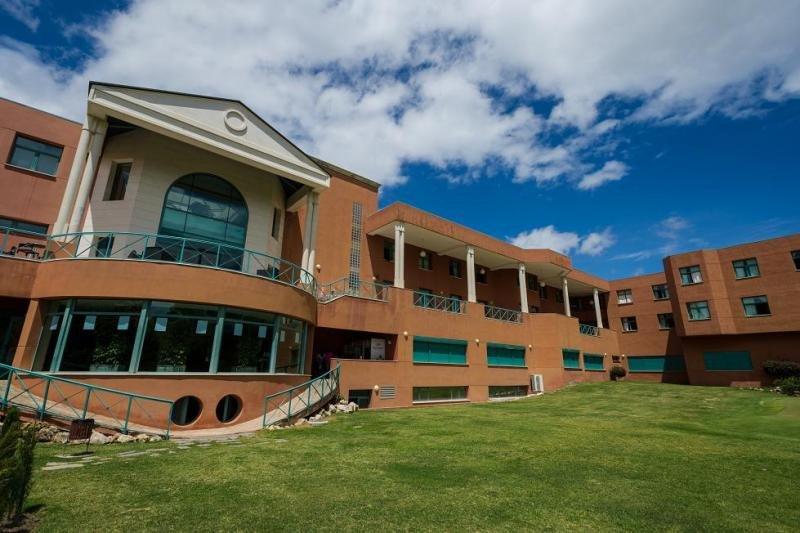 Los alumnos de Les Roches Marbella (en la imagen) reciben una media de cinco ofertas profesionales.
