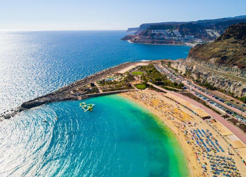 Canarias, en plena temporada alta, fue la comunidad autónoma que más turistas recibió entre enero y febrero, cerca de 2,4 millones, en los niveles de 2017.