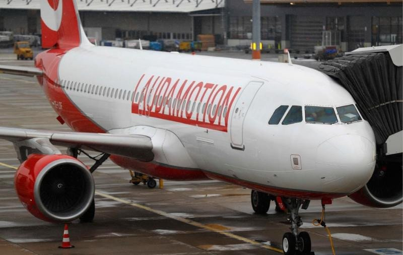 Thomas Cook bloquea las reservas de Laudamotion por su alianza con Ryanair (Foto: Reuters).