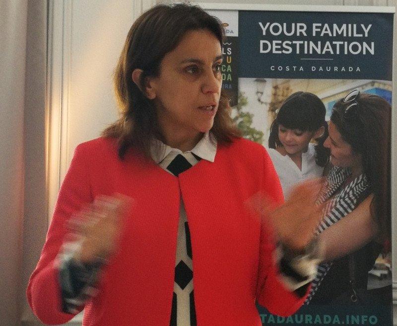 Marta Farrero, directora técnica del Patronato de Turismo Costa Dourada, durante la presentación de Madrid.