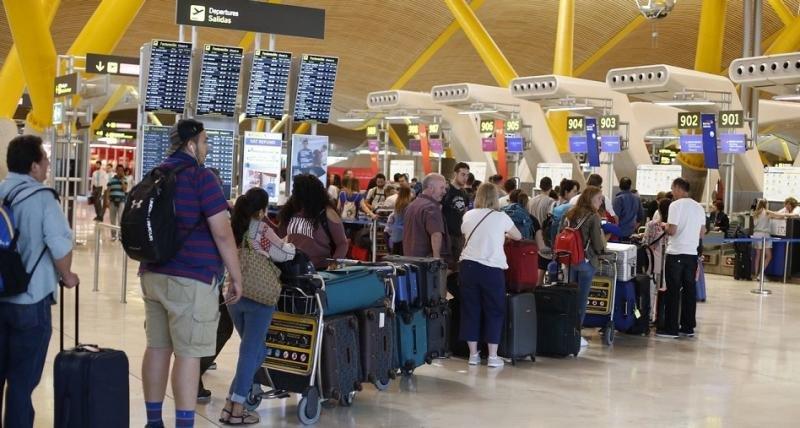 El Aeropuerto de Madrid-Barajas se mantiene como el primero de la red Aena por número de pasajeros (Foto: Efe).