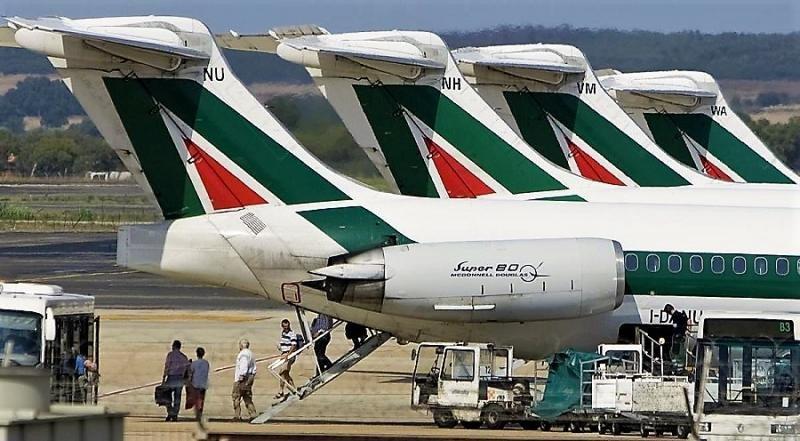 Alitalia recibe tres ofertas de compra
