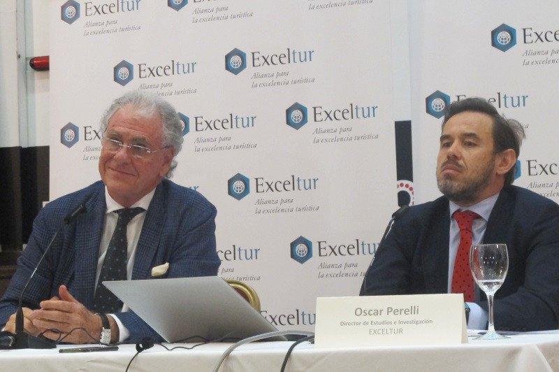 El vicepresidente ejecutivo de Exceltur, José Luis Zoreda, y el director de estudios, Óscar Perelli, presentan los resultados de la actividad turística en el primer trimestre del año.