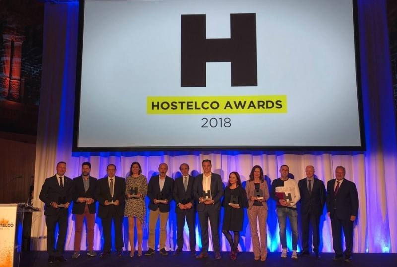 Foto de familia de los premiados en Hostelco