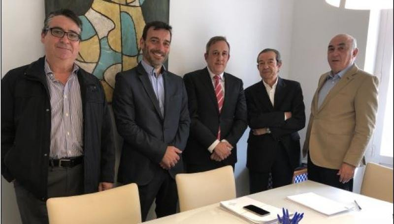 De izquierda a derecha: Jorge Marcos, Socio de Hispania; Hugo González, Controller Director BCD Travel; Juan Carlos González, Director General BDC Travel; José Bonet, Socio de Hispania y Jaime Córdoba, Socio de Hispania.